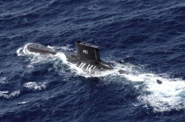 A hét végéig lehet elegendő oxigénje az elsüllyedt indonéz tengeralattjáró legénységének