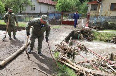 Anyagi segítséget ígér a kormányfő a községnek, ahol óriási pusztítást végzett az árvíz (FOTÓK, VIDEÓ)