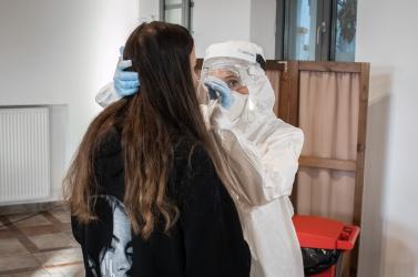 Koronavírus - 27-en meghaltak, de rég nem volt ilyen alacsony a PCR-pozitívak száma szombaton Szlovákiában