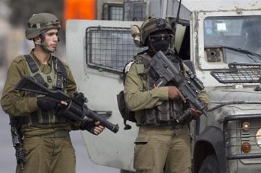 Az izraeli rendőrség lelőtt egy palesztint, mert azt hitte, hogy fegyvert hord magánál