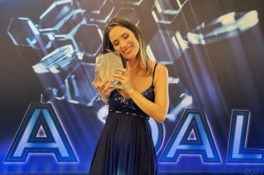 A Dal 2021 - Katona Petra és BariLaci nyerte az első elődöntőt