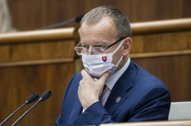 BorisKollárt, a parlament elnökét is beoltották a COVID-19 ellen