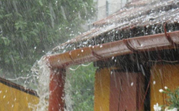 IDŐJÁRÁS: Vihar és jégeső várható pénteken szinte az egész ország területén