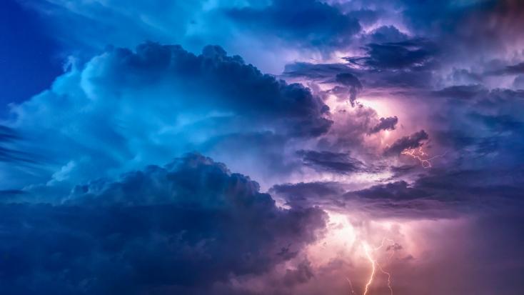 """""""Kopipészt"""" időjárás: ami égzengés szombaton délután beviharzott Szlovákiába, megeshet vasárnap is"""